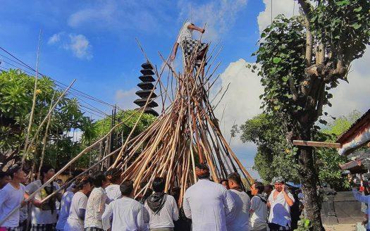 Villa Disewakan Bali - News - Mekotek